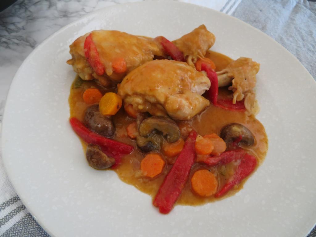 Chicken casserole - Traditional Spanish sauce