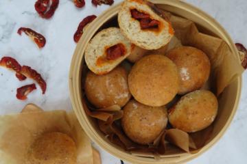 chorizo-stuffed-bread-bollitos-preñaos-de-chorizo