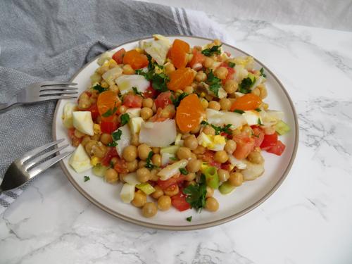 ensalada-de-garbanzos_pescados y legumbres-recetas para olla lenta -rootsandcook