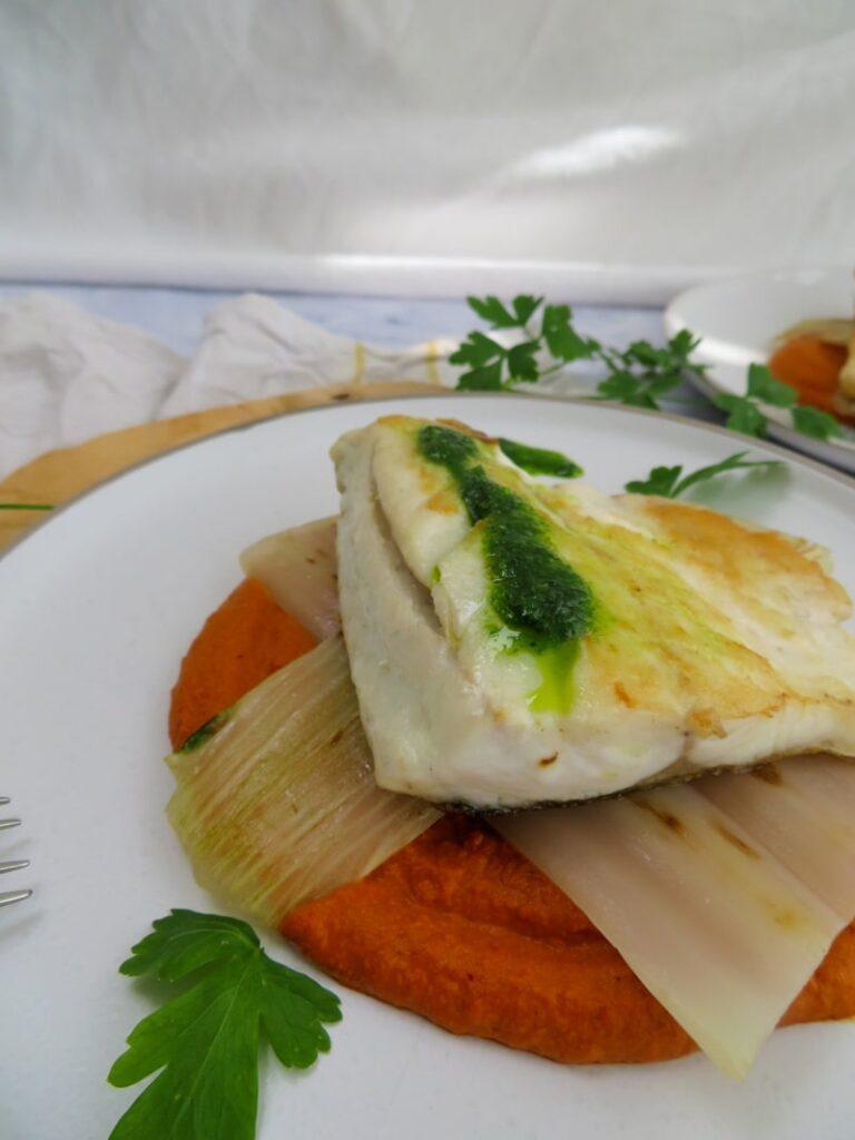 Lubina con salsa vizcaina y pencas_pan fried sea bass with vizcaina sauce 1
