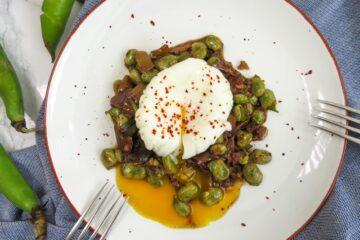 Broad beans with porcini mushrooms - habas frescas con boletus