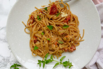 Pasta with goat cheese and sundried tomato